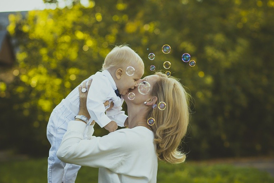 5 Positive Affirmations to support you through Motherhood